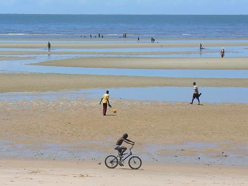 Um dia como os outros na praia da Marginal