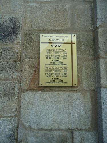 Placa Informativa das Eucaristias na Igreja Matriz de Chaves