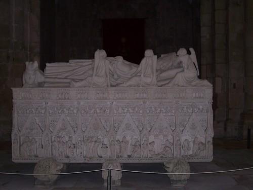 Tumulo de D. Pedro - Mosteiro de Alcobaça
