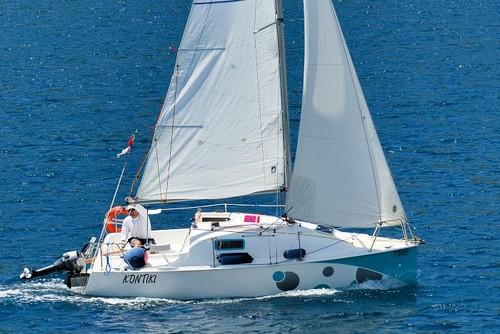 A elegante navegação do Kontiki, em solitário pelo Francisco Sousa-Kiko...