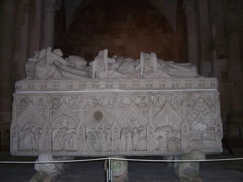 Tumulo de D. Inês - Mosteiro de Alcobaça