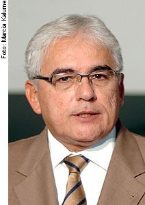 Senador Efraim Morais