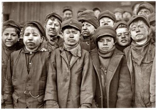 Míudos mineiros, Companhia Mineira de Carvão da Pensilvânia (Lewis Wickes Hine, 1911)