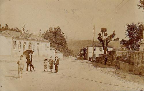 Foto antiga da actual Avenida da República em Paredes