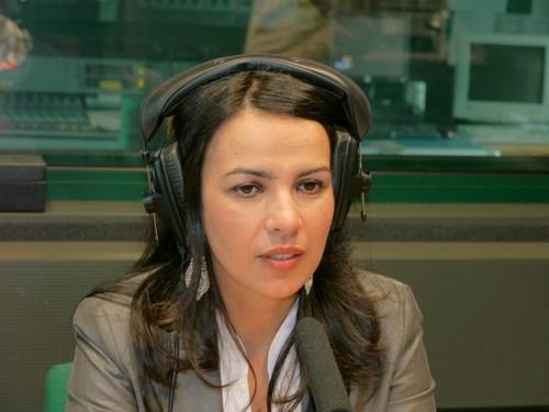 Isabel Gomes em estúdio