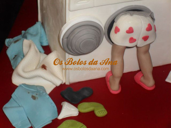 Bolo Artistico - Homem na maquina de lavar