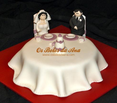 Bolo de Casamento Noivos à mesa