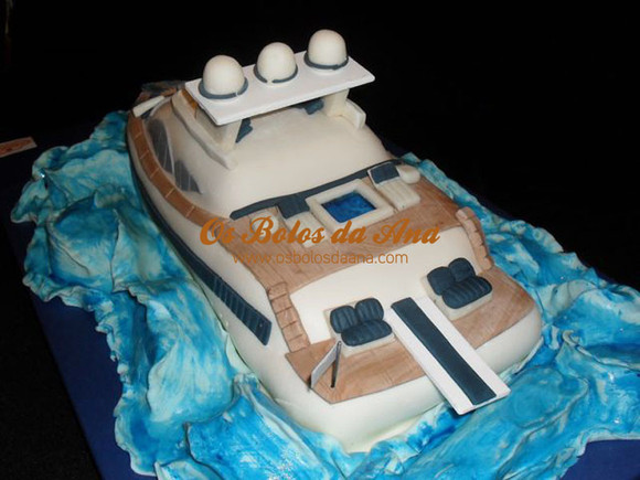 Bolo personalizado barco lancha
