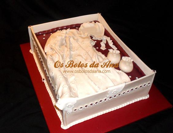 Bolo Batizado menina vestido na caixa