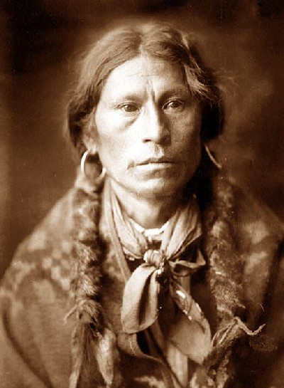 edward-curtis-apache-chief