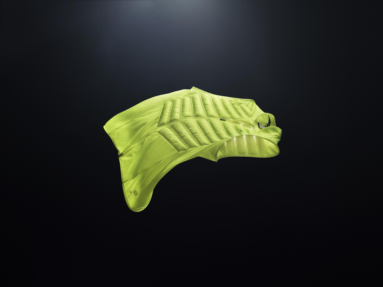 Nike_Aeroloft_800_Vest_Volt