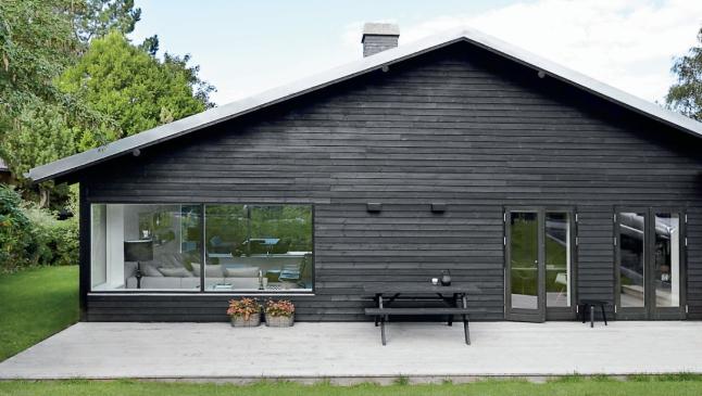 Voc s j viram uma casa pintada de preto decora o e ideias for Maison bois nordique