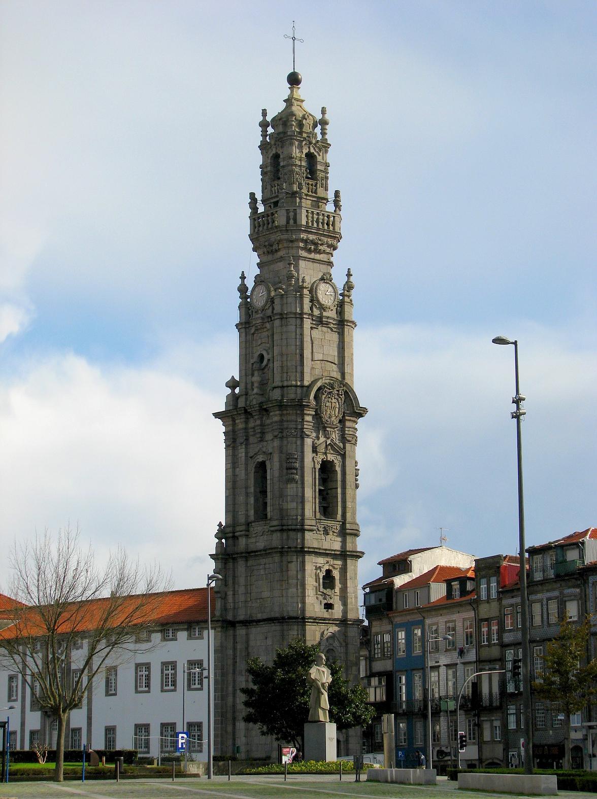 torre esculpida