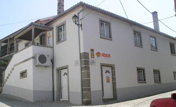 Casa Paroquial de Torroselo