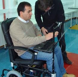 Guarda - Cadeira conduzida pelo olhar - foto Helder Sequeira