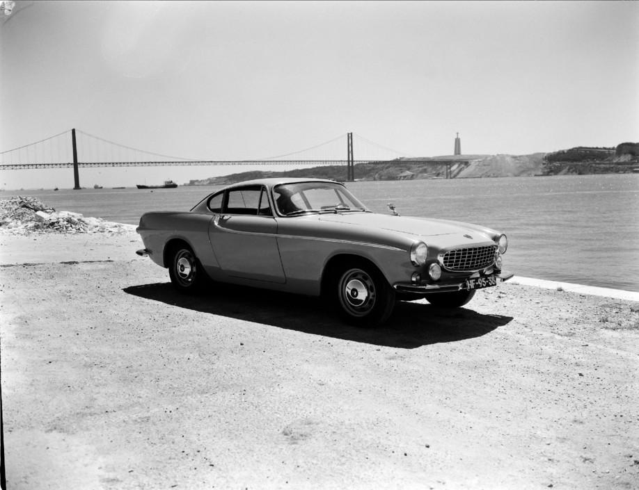 Volvo 1800 S de 1966, Lisboa (M. Novaes, s.d.)